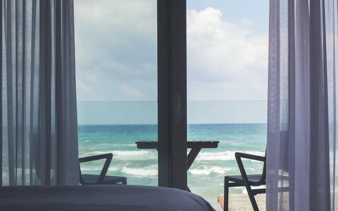 Hotel Depan Pantai Losari